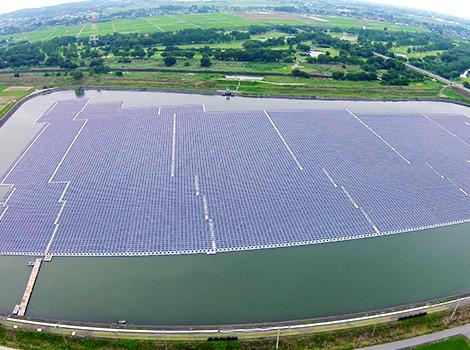埼玉県 川島太陽と自然のめぐみソーラーパーク発電所(水上式メガソーラー)